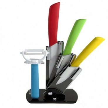 5 termékből álló késkészlet: kések, tartó, pucoló